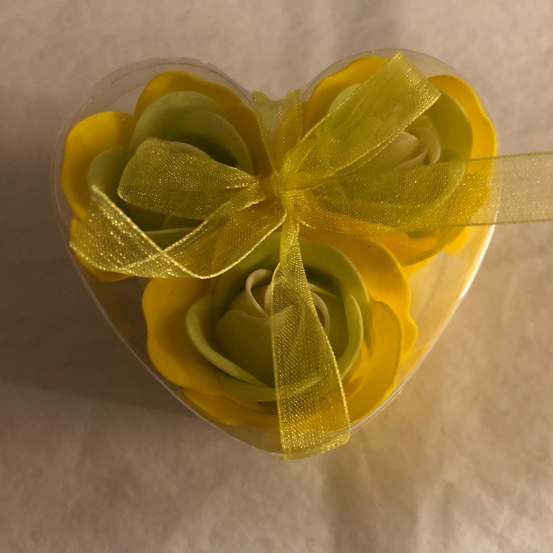 Boutons de rose x3 jaune