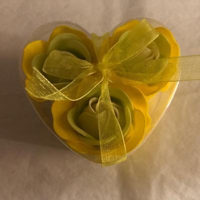 Boutons de rose de savon x 3 Jaune
