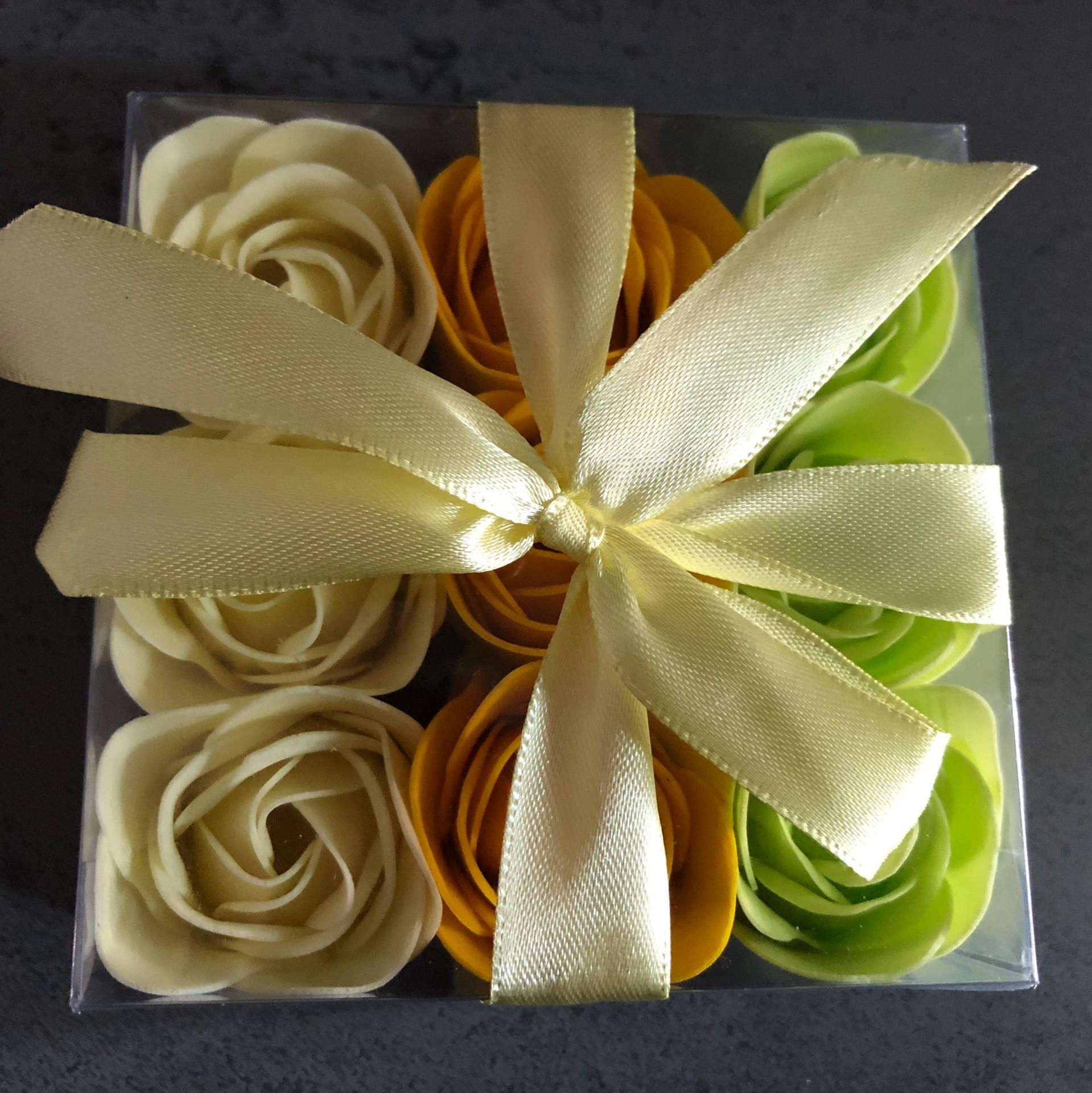 Boutons de rose x9 jaune vert