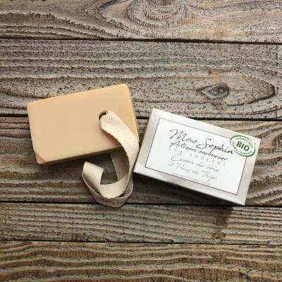 Savon Artisanal Ardèche Cocoon de soie Thym